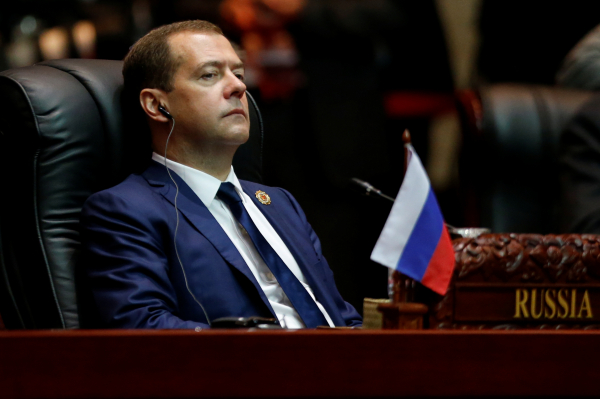 Медведев подписал постановление о приоритете российских товарах в госзакупках
