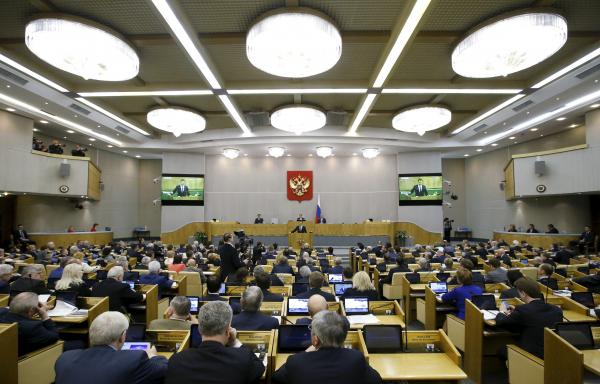 Медведев выделил 3,3 млрд рублей на поддержку автопрома