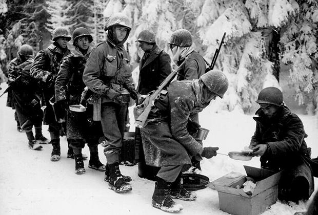 Солдаты армии США зимой 1945 года