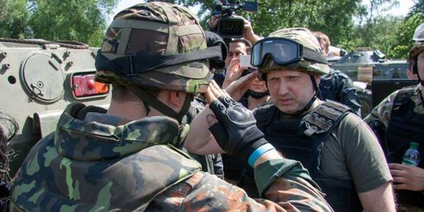 Турчинов: Запад не будет помогать Украине даже в случае военного вторжения России