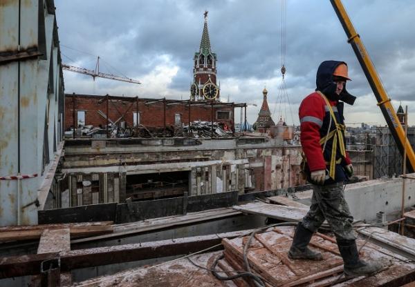 В Москве демонтируют часть Кремля
