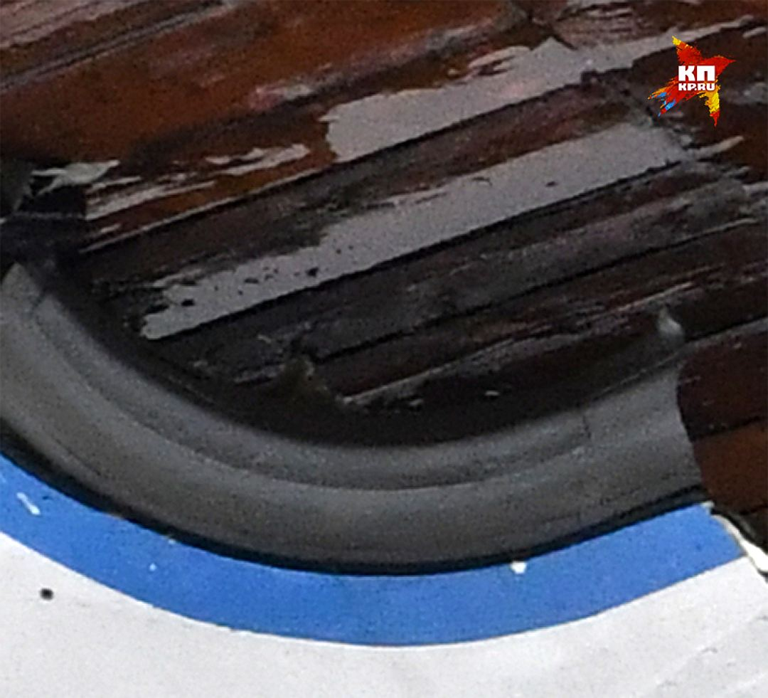 Нижний левый угол дверного проёма Фото: Владимир ВЕЛЕНГУРИН